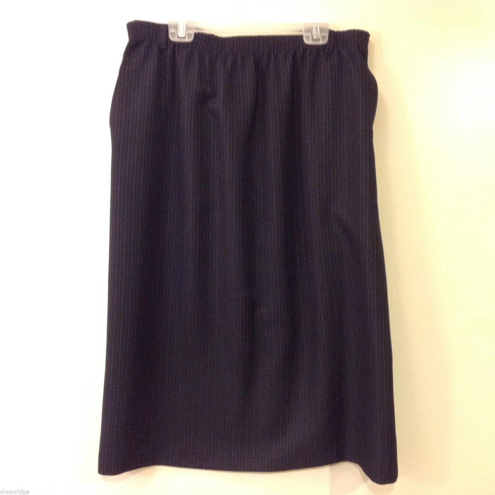 Alred Dunner Women's Size 14 A-Line Skirt Dark Navy Blue, Red & Blue Pinstripes
