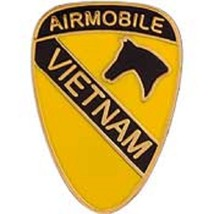 US Army 1st Airborne Vietnam Pin         - $7.91