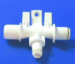 Kenmore Washer : Water Inlet Hose Connector (8272010) {TF2369} - $10.88