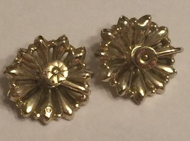 +VTG 50s Screw Back Earrings~ Gold Tone Flowers w/Deep Pink Rhinestone Centers image 7