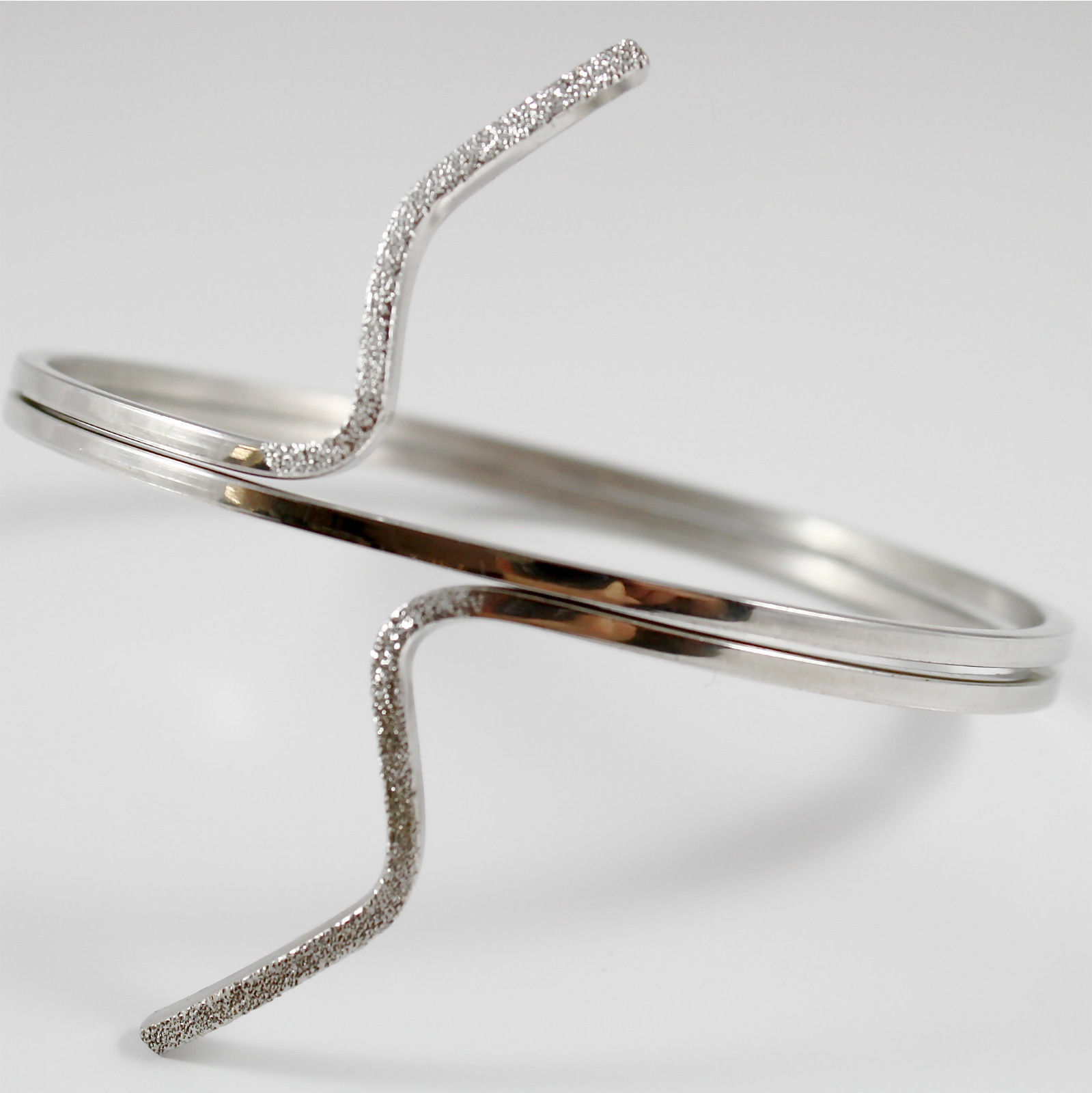 Bracelet in Sterling Silver 925 Rhodium, Rigid, Oval, with diamantatura