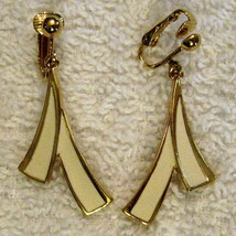 Avon Clip On Dangle Earrings White Brush Stroke Style Nickle Free VTG 1990s - $19.75
