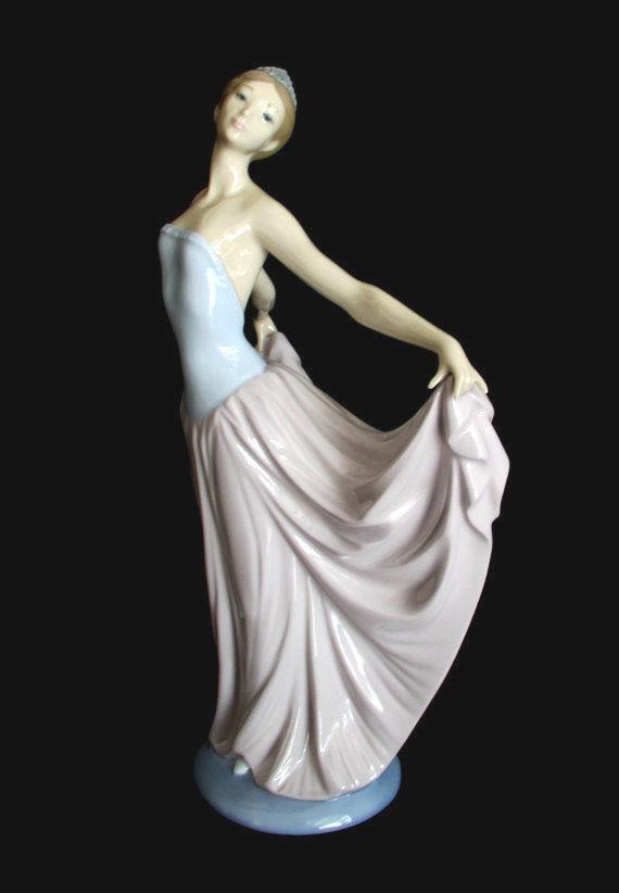 Lladro Figurine (1970s): 18 listings