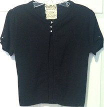 NICK & MO WOMENS BLACK SWEATER SZ M EUC 5 CRYSTAL BUTTONS SHORT SLEEVE - $14.99