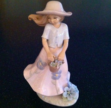 "ANNIE ROWE ""SUMMER BOUQUET"" GIRL FIGURINE LEONARDO COLL NIB LIKE LLADRO ... - $69.29"