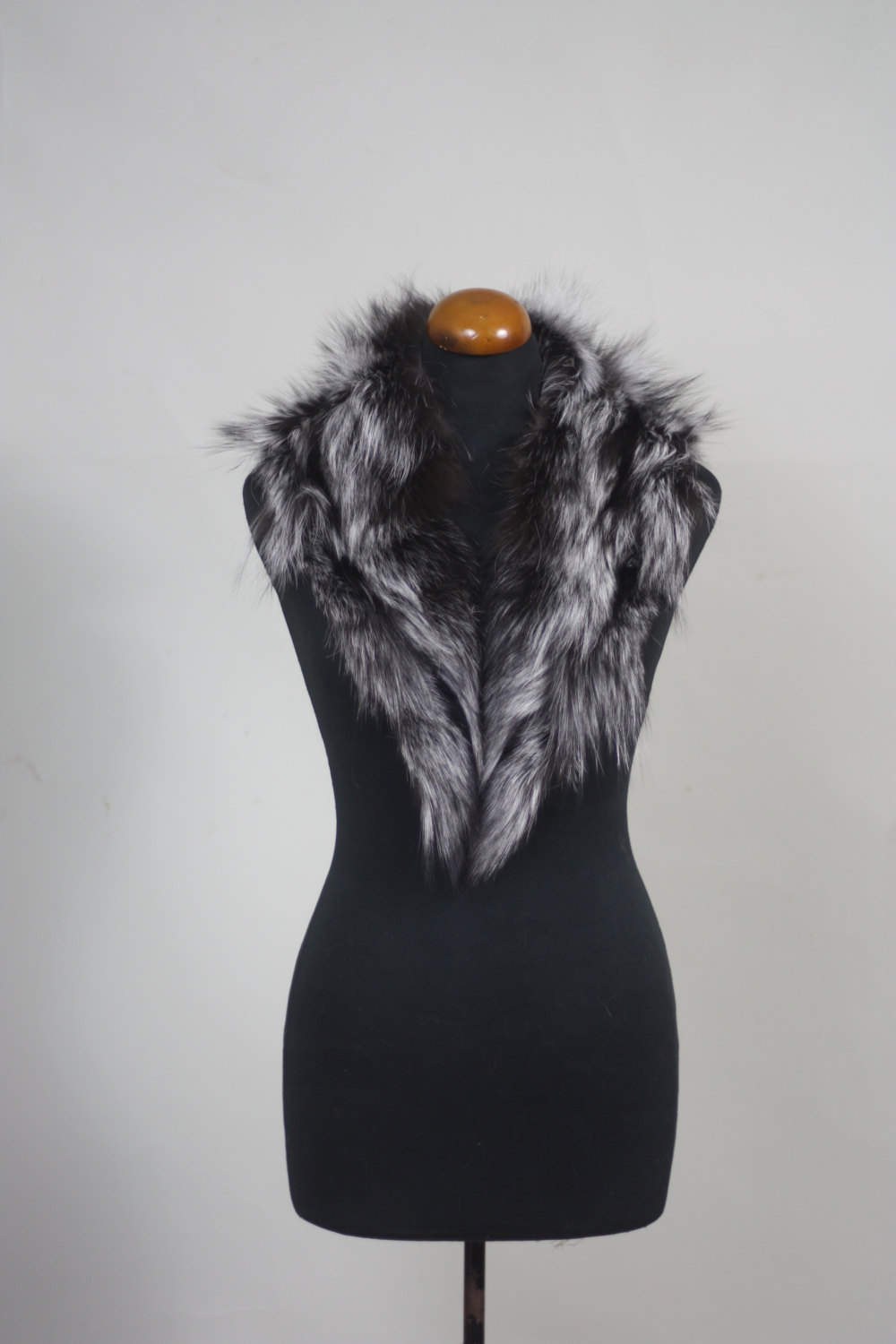 Primary image for Luxury gift/Silver  color Fox Fur Collar  Women's/wedding or anniversary present
