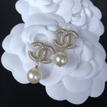 AUTHENTIC CHANEL Large Pearl CC Logo Dangle Drop Earrings Gold  image 6