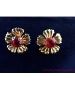 Vtg 1940s Flower Earrings Red Prong Set Rhinestone Goldtone Screw Back F... - $14.79
