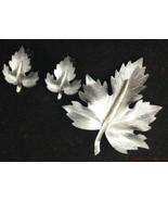 Vtg Set Metal Leaf Brooch Clip Earrings Brushed Gray Silver Estate Jewel... - $19.74