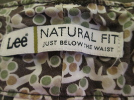 Ladies size 12 green casual shorts by Lee  MHELW367 - $9.66