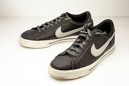 Nike 10 Black Women's Sneakers Court Shoe - $38.00