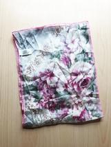 "Vintage 60s Vera Neumann ""Vera Studio"" rectangular scarf (pink, ivory, grey) image 2"