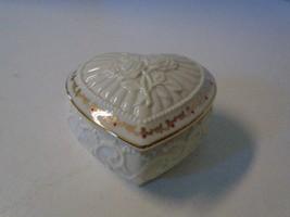 Lenox Heart Shaped Trinket Box Lidded Roses Gold Trim Handcrafted  - $27.76