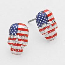 Silver, Red, White  & Blue American Flag Print Skull Stud Earrings 82158 - $283,35 MXN