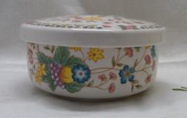 Vintage Hankook Round Porcelain Vanity Box / Trinket/Jewelry Box / Flora... - $10.50