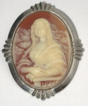 Mona Lisa Costume Jewelry Cameo Pin/Brooch vintage - $13.00