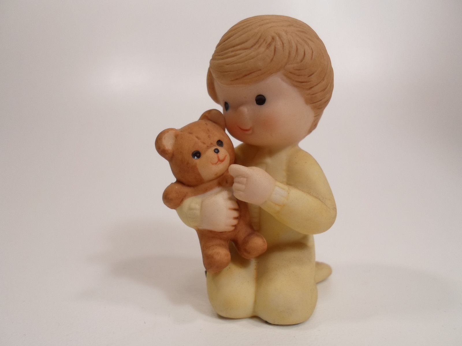 Primary image for Country Cousins Figurines Enesco Vintage Porcelain teddy bear bed time