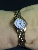 Vintage Citizen Women's Gold Tone Watch Analog With Date Dial - $17.81