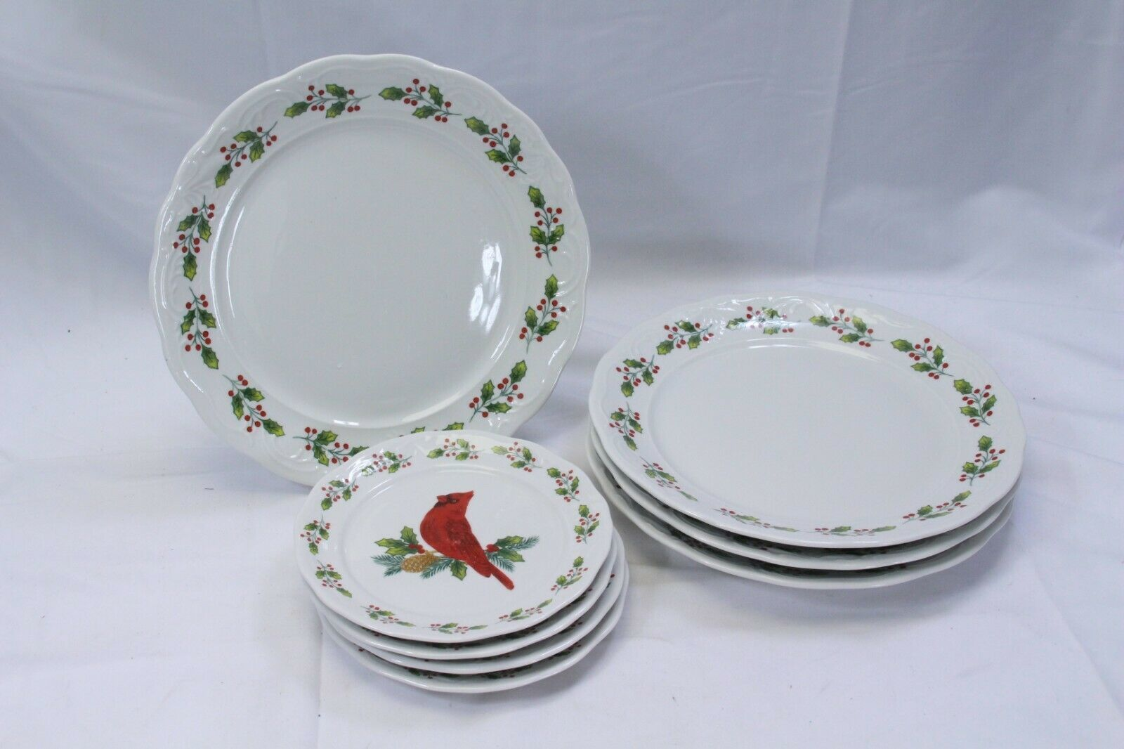Primary image for Gibson Cardinal Winter Bird  Dinner and Salad Bread Plates Set of 8