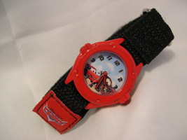 """C09, Cars, Analog Watch by Disney, 8"""" Red & Black Velcro Band, Never Used - $375,12 MXN"""