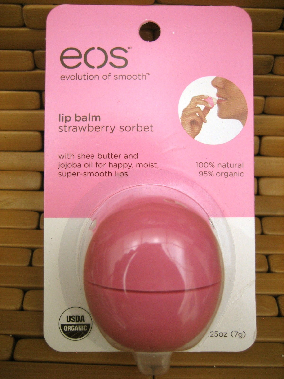 EOS LIP BALM STRAWBERRY SORBET SMOOTH SPHERE ROUND CASE ORGANIC NATURAL NIP NEW