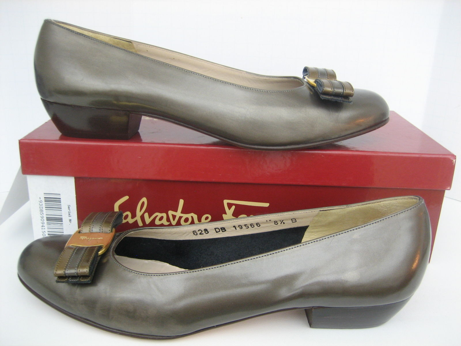 SALVATORE FERRAGAMO VARA GLOSSY CALFSKIN LEATHER BRONZE PUMPS HEELS SHOES 8.5 B