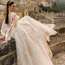 Gorgeous Designer Customized Appliqued A-Line Long Sleeve Vintage Wedding Dress