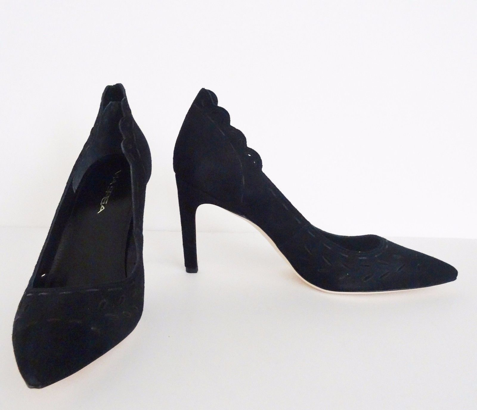 f8c725b07948 S l1600. S l1600. Previous. NIB Via Spiga Irisa Suede Womens Pointed Toe  Pumps Heels Size 7 M Black  225