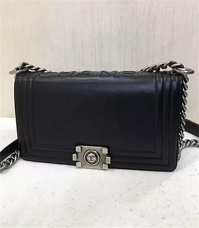 d5cfd20d54b4 100% AUTH Chanel Boy Medium Smooth Leather Black Calfskin Flap Bag ...