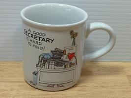 Secretary Mug A GOOD SECRETARY IS HARD TO FIND Admin Assistant Office Hu... - $12.19
