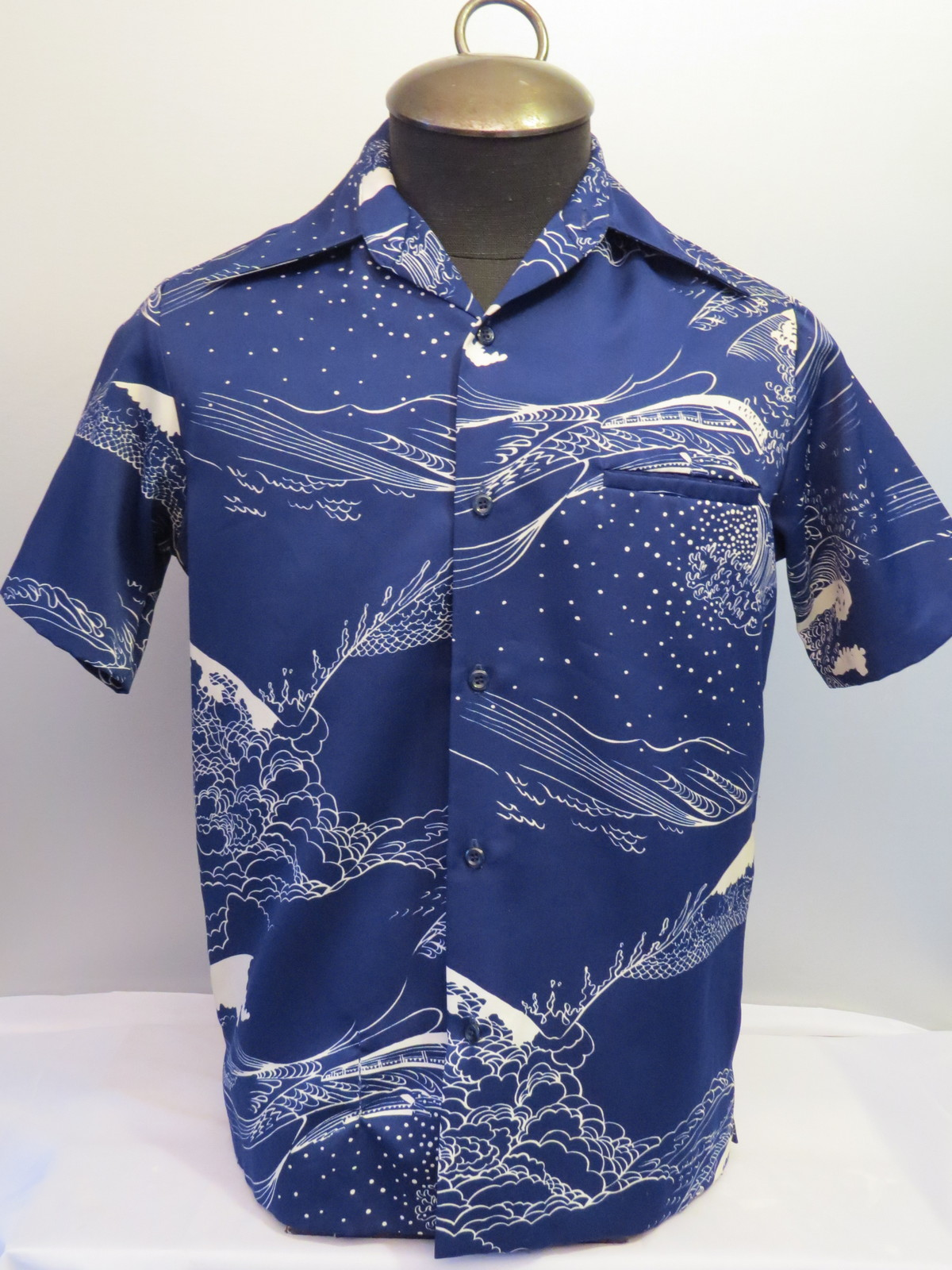10e203b35 Vintage Tori Richards Hawaiian Shirt - Ocean Surf and Canoe Design - Men's  Small