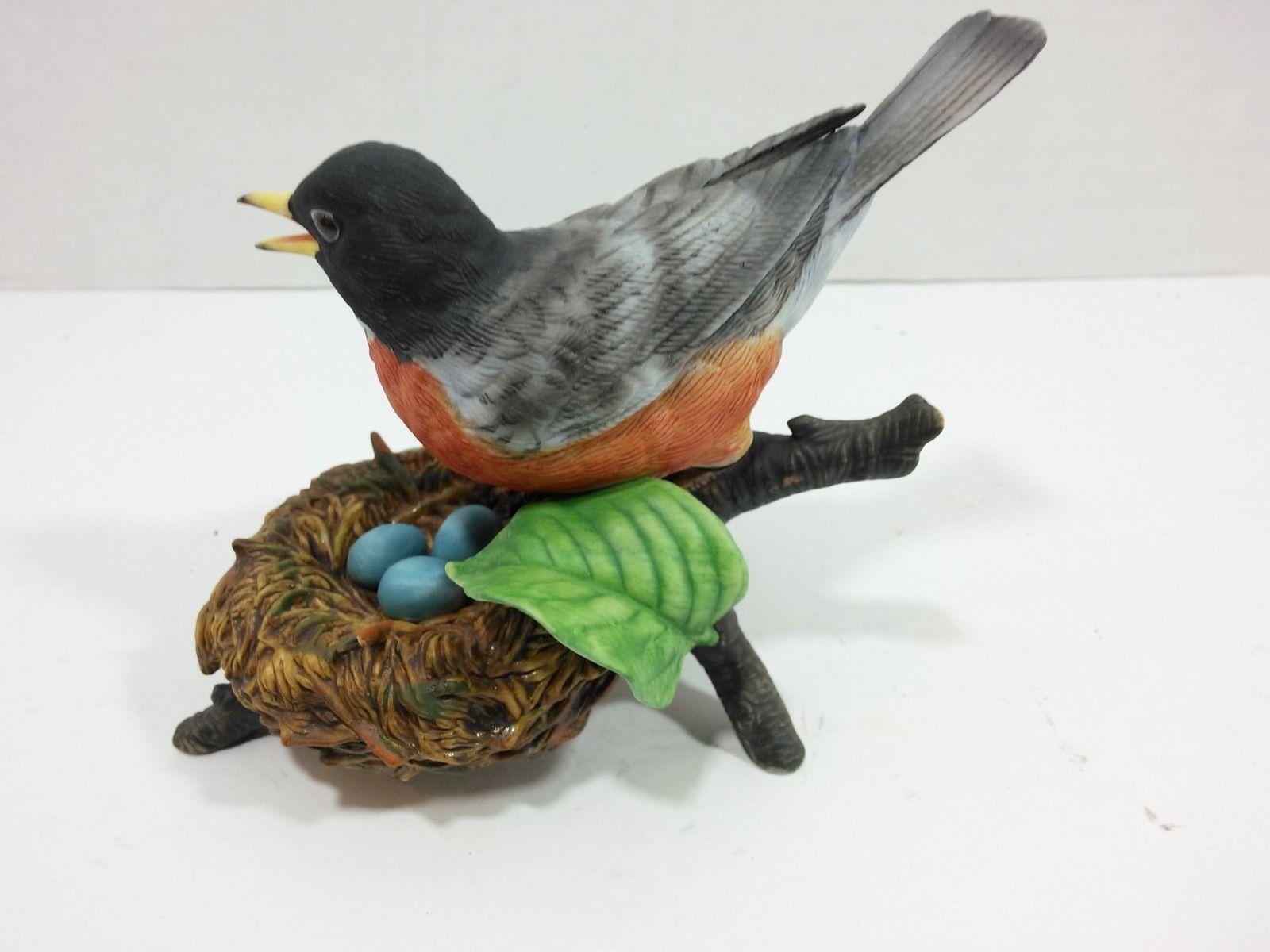 THE LENOX GARDEN BIRD COLLECTION American Robin (1989) Fine Porcelain