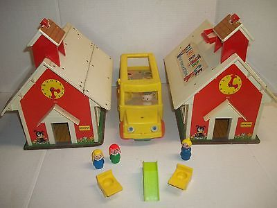 Vintage Lot of 2 Fisher Price Little People #923  School House -  Bus  & more !