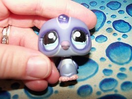 LITTLEST PET SHOP PURPLE PENGUIN  2006 EUC RARE HTF - $16.00