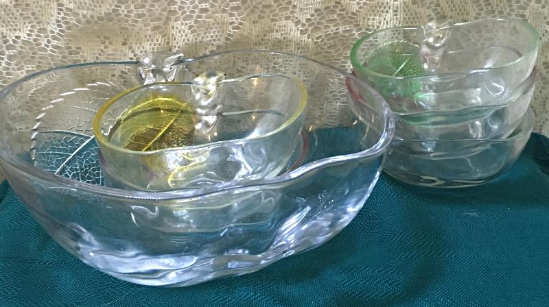 Vintage Six Piece KIG INDONESIA Glass Apple Shaped Salad/Dessert/Berry Bowl Set