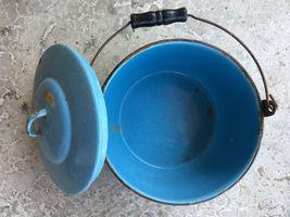 "VTG Enamelware Pail Kettle Blue Stock Pot Lid Wood Handle 10"" Estate camping image 6"