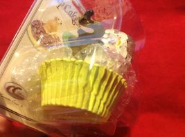 Cupcake gift box with choice of Exotic or Safari African animal  on lid image 3