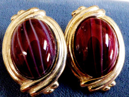 VTG Carolee Silver tone oval Burgundy pulled glass stone design clip ear... - $48.81