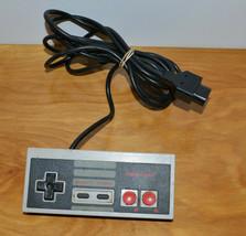 VINTAGE NINTENDO NES CONTROLLER GAME PAD WORKING NES-004 - $12.60