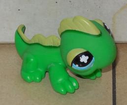 Hasbro LITTLEST PET SHOP LPS #651 Iguana Green with Blue Flower Eyes - $9.50