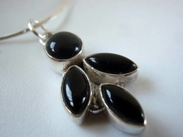 New Black Onyx Floret 925 Sterling Silver Pendant India - $12.23