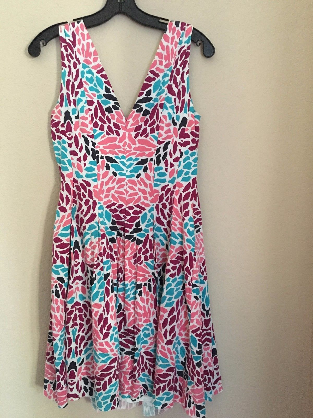 Anne Klein White V-Neck Summer Dress Size 4