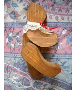 """6.5"""" VINTAGE ARTICULATED WOODEN BEAR FIGURINE: HANDMADE, 1985: STANDS, SITS - $8.00"""