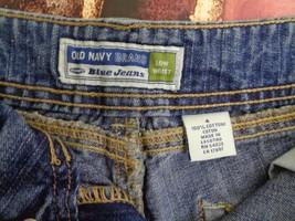 Old Navy Woman's Blue Jean Denim Low Waist Shorts Pant Size 4 28W - $12.59