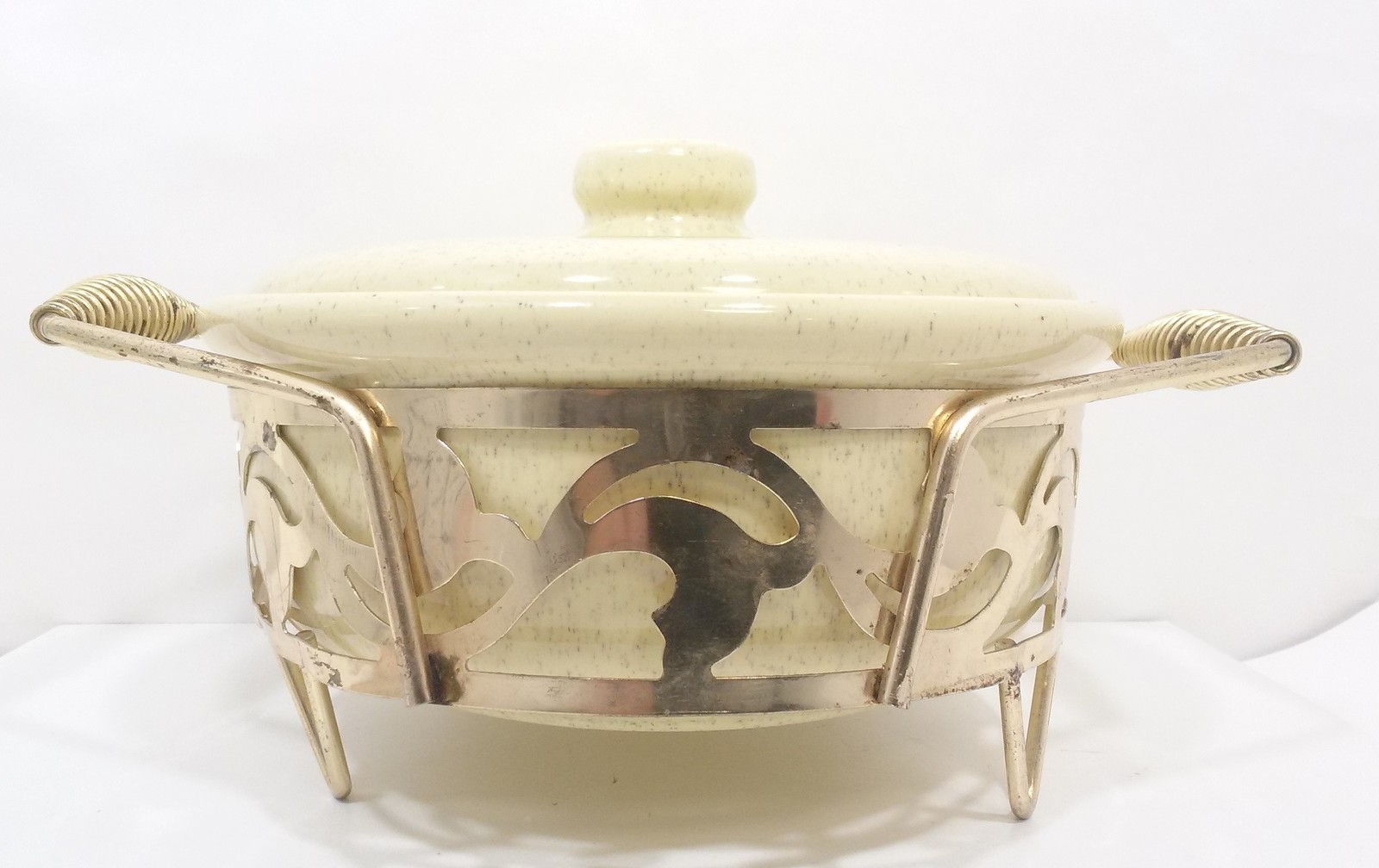 Primary image for Vintage Bauer Pottery Casserole, Lid & Metal Holder
