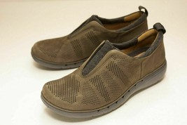 Clarks Size 6 Brown Slip On Flats - $32.00