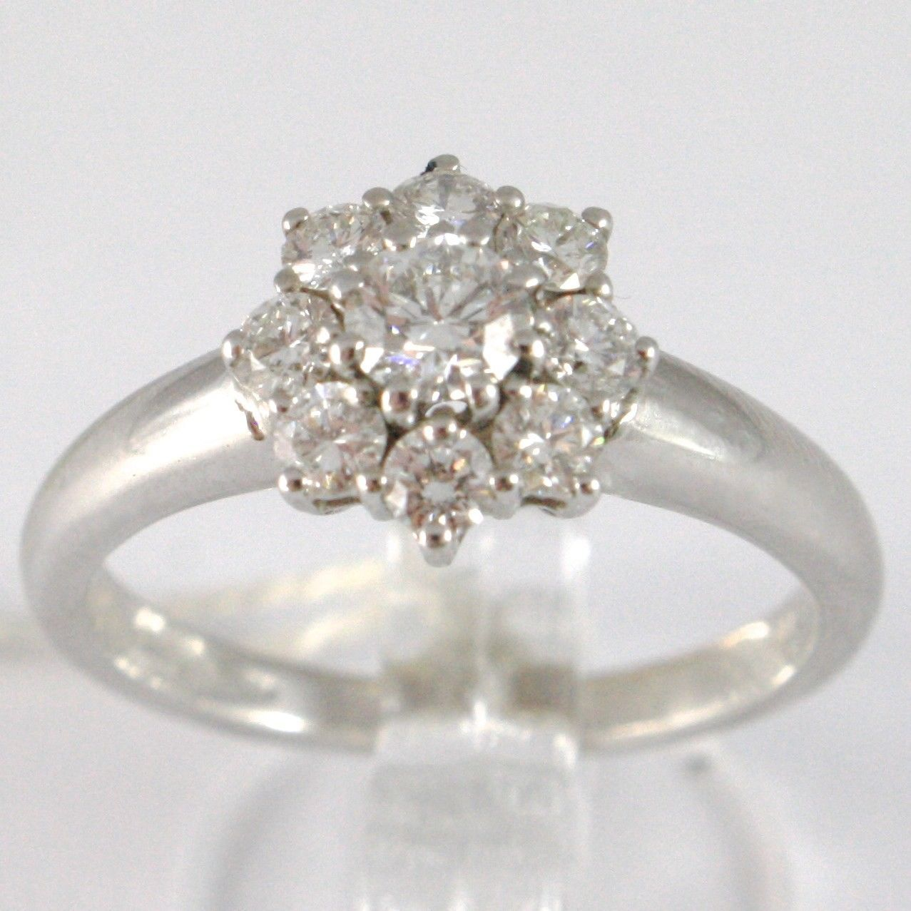 WHITE GOLD RING 750 18K, FLOWER ROSETTA WITH DIAMONDS CARAT TOTAL 0.77