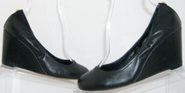 Vince Camuto Elmay black leather round toe slip on scrunch wedge heels 7M - $25.29