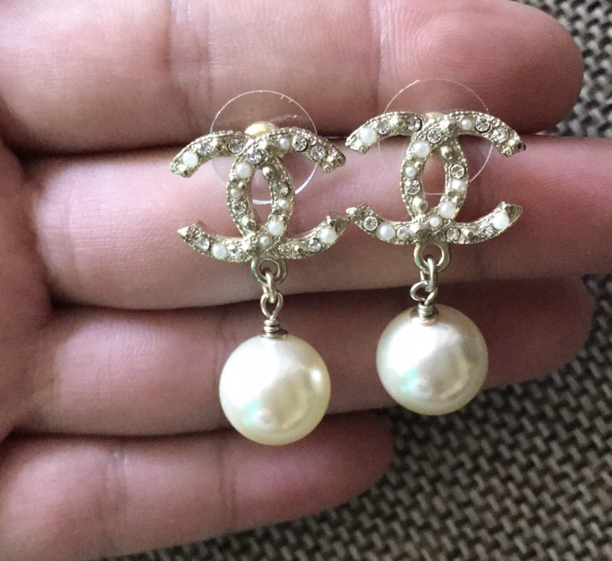 Authentic NEW CHANEL 2018 Classic Crystal CC Logo Pearl Drop Earrings Gold