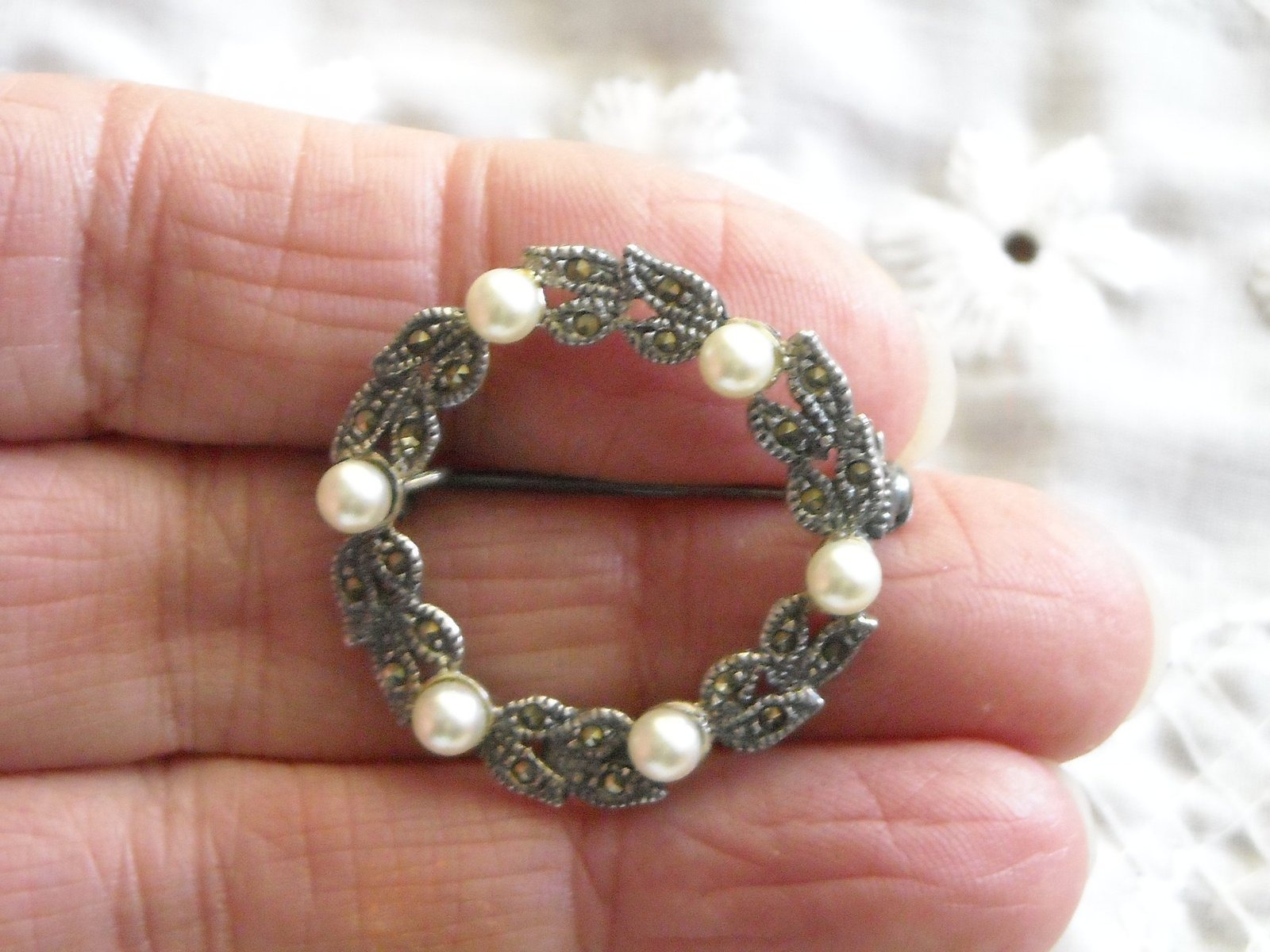 "Vintage Pin Brooch Sterling Circle of Tiny Marcasites & Pearls 1 1/8"" Across image 3"
